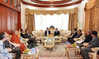 Secretary of the Ho Chi Minh City Party Committee meets Laos former leaders