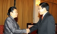 Foreign Minister receives Lao delegation