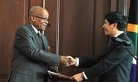 South African President praises Vietnam's achievements