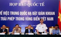 Vietnamese, international public denounce China's deployment of oil rig in Vietnam's waters