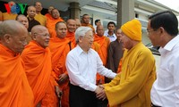 Party chief calls for Soc Trang Buddhist followers' more contributions to society