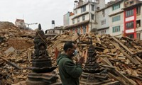 Nepal earthquake: death toll continues to rise