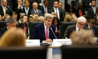 US calls for Syrian, Arab ground troops against IS