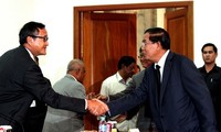 """Leaders of Cambodia's two major parties retain """"culture of dialogue"""""""