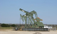 Global oil prices rally