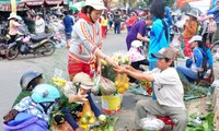 Islanders are busy for Tet