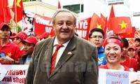 Czech activist rebuts China's false views on East Sea