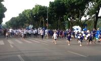 Hanoi Moi Newspaper Run for Peace