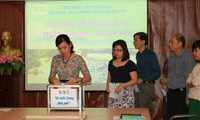 VOV5 gives a helping hand to flood-hit central region