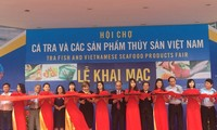 Tra fish and seafood product fair 2017 opens in Hanoi