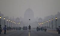 New Delhi pollution hits dangerous level