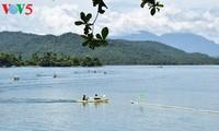 Kayak race at Phu Ninh Lake