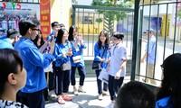 Học sinh cấp II Hà Nội phấn khởi hoàn thành kỳ thi tuyển sinh lớp 10