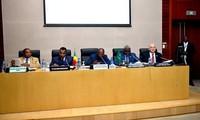 Libye: Moussa Faki pour l'accélération du processus de négociation entre les parties prenantes
