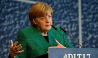 Angela Merkel souhaite une coalition avec les libéraux et les Verts