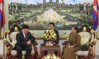 Le président de VOV en visite au Cambodge