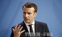 """Syrie : Emmanuel Macron estime qu'il """"faudra parler"""" avec Bachar al-Assad"""