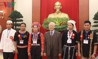 Le SG du PCV rencontre les figures illustres des minorités ethniques