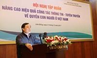 Améliorer l'efficacité de l'information sur les droits de l'homme