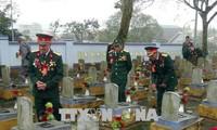 Les vétérans de l'offensive du printemps 1968 retournent sur les anciens champs de bataille à Quang