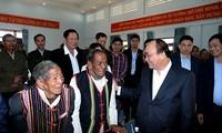 Têt: Nguyen Xuan Phuc remet des cadeaux à des minorités ethniques de Dak Nong