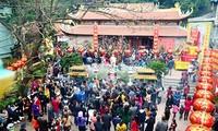 Se rendre à la pagode au Têt, une belle tradition des Vietnamiens