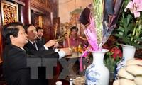 Au jour de l'an, plus de 10.000 personnes se sont rendues au temple des rois Hùng fondateurs du pays