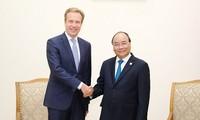 Nguyên Xuân Phuc rencontre le président du Forum économique mondial