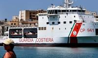 Italie: des migrants entament une grève de la faim pour demander au gouvernement de les accueillir