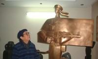 Ta Quang Bao, sculpteur des grands monuments