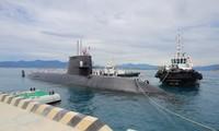 Un sous-marin japonais au port de Cam Ranh