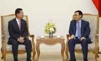 Le PDG du groupe Shinhan reçu par Vuong Dinh Huê