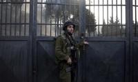 Israël ferme ses points de passage avec la bande de Gaza