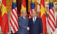 Le Premier ministre vietnamien reçoit son homologue malaisien
