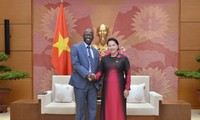 Nguyên Thi Kim Ngân reçoit Oussmane Dione