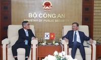 Tô Lâm rencontre une délégation de l'Agence sud-coréenne du renseignement