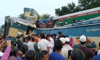 Bangladesh : au moins 16 morts dans une collision de trains