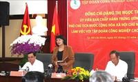 Dang Thi Ngoc Thinh rencontre la direction du groupe du caoutchouc du Vietnam