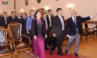 Nguyên Thi Kim Ngân rencontre des étudiants de l'Université de Kazan
