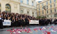 Grève du 6 janvier en France: face au silence du gouvernement, les avocats durcissent leur mouvement