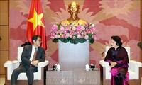 La présidente de l'AN Nguyên Thi Kim Ngân reçoit l'ambassadeur du Japon