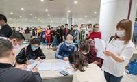 Coronavirus : tous les étrangers venant au Vietnam seront mis en quarantaine pendant 14 jours