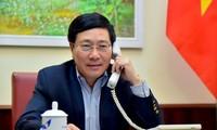 Pham Binh Minh s'entretient par téléphone avec la cheffe de la diplomatie australienne