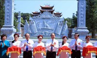 Nguyên Xuân Phuc à l'inauguration des ouvrages dédiés au président Hô Chi Minh et à sa famille