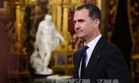 Le roi d'Espagne impressionné par le succès du Vietnam dans la lutte contre le Covid-19