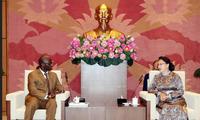 Le directeur sortant de la BM au Vietnam reçu par Nguyên Thi Kim Ngân