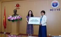 Sao Thai Duong remet 50.000 kits de test de Covid-19 au ministère de la Santé