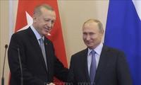 Les présidents russe et turc évoquent la Libye et la Syrie par téléphone