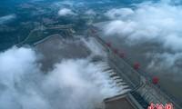 Réservoir des Trois Gorges: ouverture de onze vannes d'évacuation
