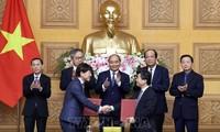 Nguyên Xuân Phuc rencontre des chefs d'entreprises japonaises au Vietnam